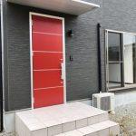 ☆赤いおしゃれな玄関ドア☆(玄関)